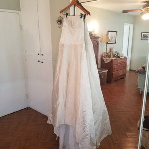 NWT CUSTOM 100% SILK WEDDING GOWN